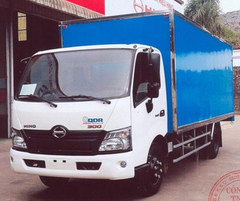 Xe tải Hino 4 tấn, thùng dài 5,2m - Hino XZU720