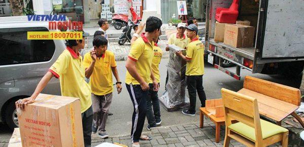 Dịch vụ taxi tải chuyển nhà quận 7 tại Vietnam Moving.