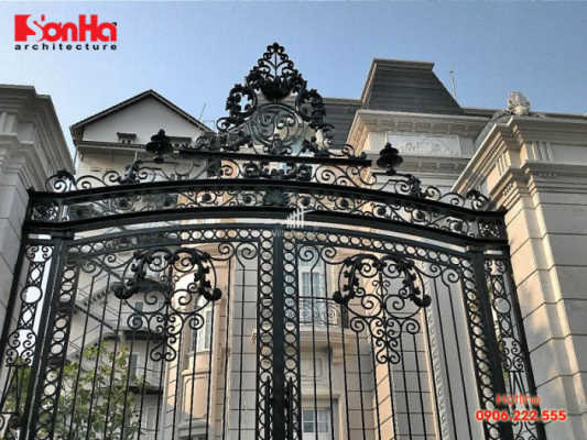 Mẫu cổng hiện đại phong cách châu Âu của biệt thự đẳng cấp