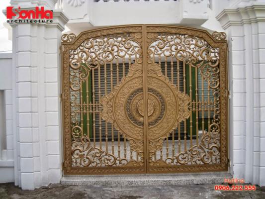 Một trong những mẫu cổng đẹp và phong thủy rước tài lộc vào nhà năm mới