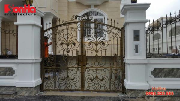 Thêm một mẫu cổng đẹp với bố trí chiều cao và chiều rộng phong thủy