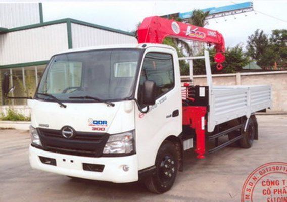 Xe tải Hino XZU730L-HKFTL3 4,85 tấn, thùng dài 5,7m