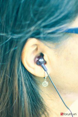 Sforum - Trang thông tin công nghệ mới nhất DSC_6073_1 Đánh giá tai nghe JBL C150SI: anh hùng áo vải