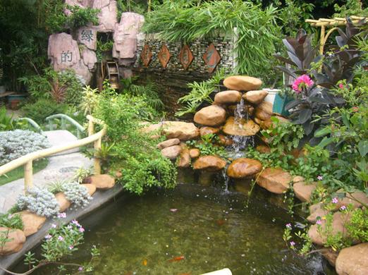 máy bơm nước cho bể cá cảnh