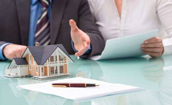 Kinh nghiệm mua bán nhà đất: Nên chọn sàn giao dịch hay môi giới ...