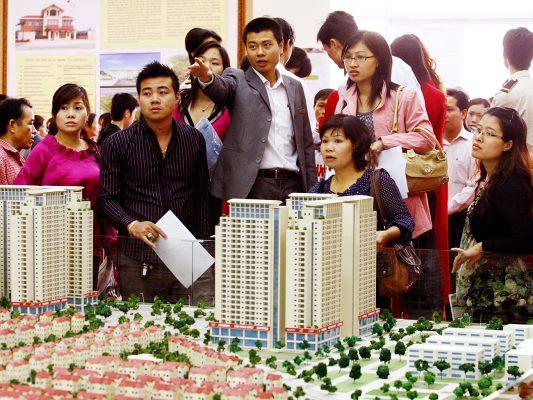 Môi giới bất động sản: Rối như tơ vò câu chuyện quản lý | Reatimes.vn