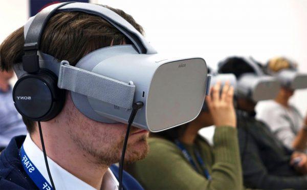 VR, AR và MR khác nhau như thế nào? Chơi game thực tế ảo có gì hay ho? |  Tinh tế